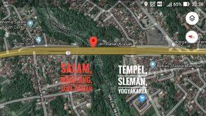 Salam tempel dipisahkan oleh kali krasak