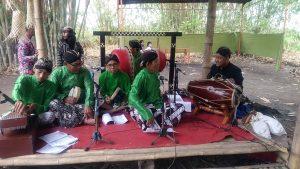 Seni tradisi gamelan